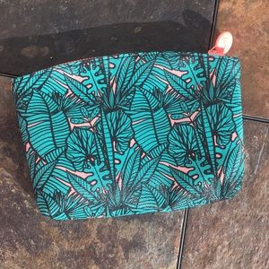 ☀️4 for $15☀️ Leaf Print Ipsy Bag